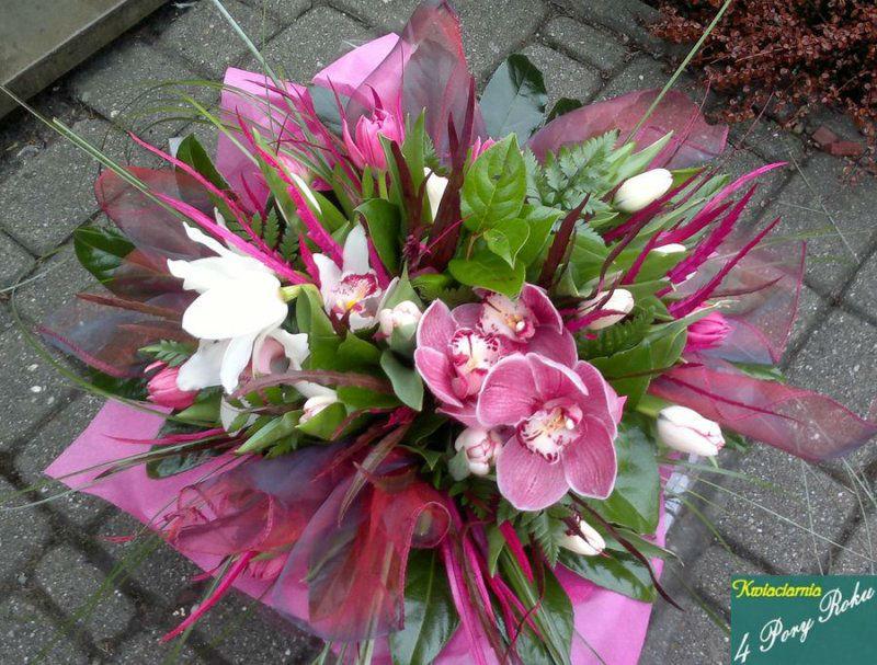 Bukiet z różowych kwiatów