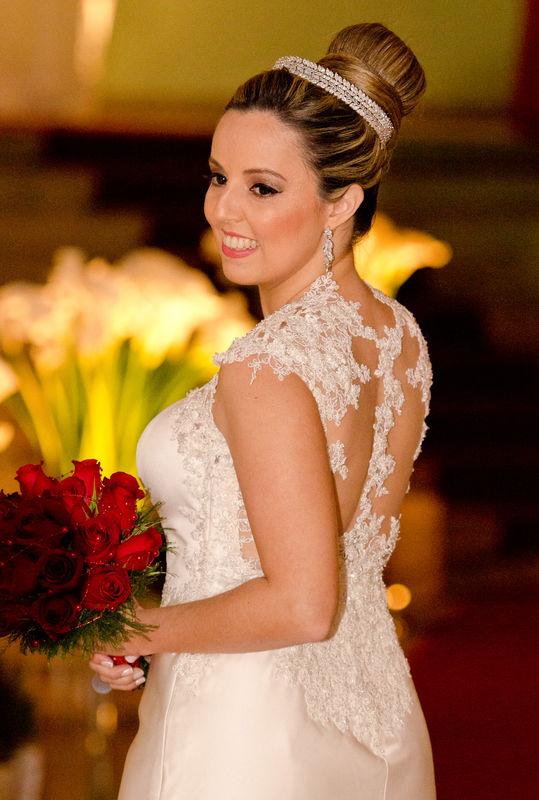Vestido maravilhoso da noiva Maria Amélia. Assinado pela estilista Morena Andrade.