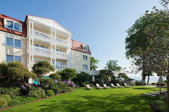 Beispiel: Entspannung im Außenbereich, Foto: Travel Charme Strandhotel Bansin.