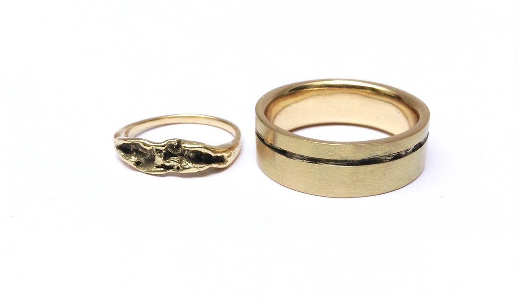 Aros de matrimonio Pedido especial de aros con técnica reticulada, todo en oro amarillo 18k con acabado satinado y pulido.