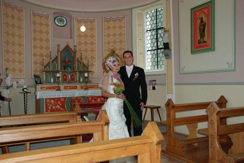 Beispiel: Brautpaar in der Kapelle, Foto: Hofgut Elchenreute.