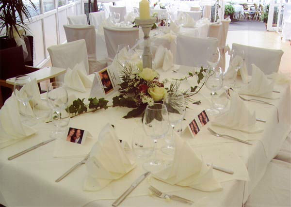 Beispiel: Tischdekoration, Foto: Hotel Restaurant Igel.