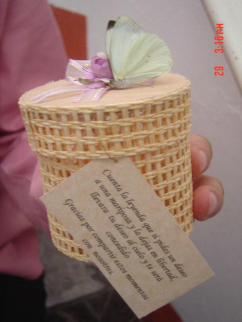 Presentacion individual de las mariposas. Mariposas y eventos, empresa que ofrece servicios de mariposas