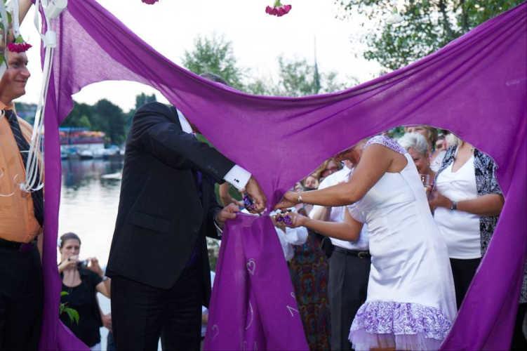 Hochzeitsbrauchtum & Tradition:   gestern - heute - morgen (Fotoredit: Csaba Vigh)