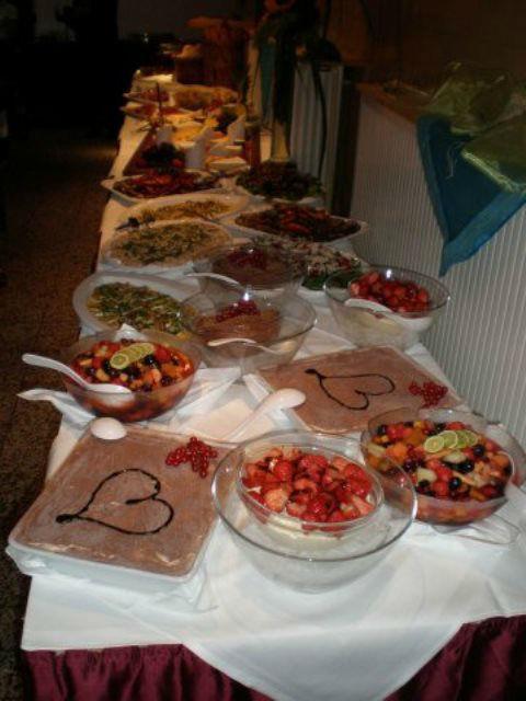 Beispiel: Catering - Buffet, Foto: Alte Pumpe.