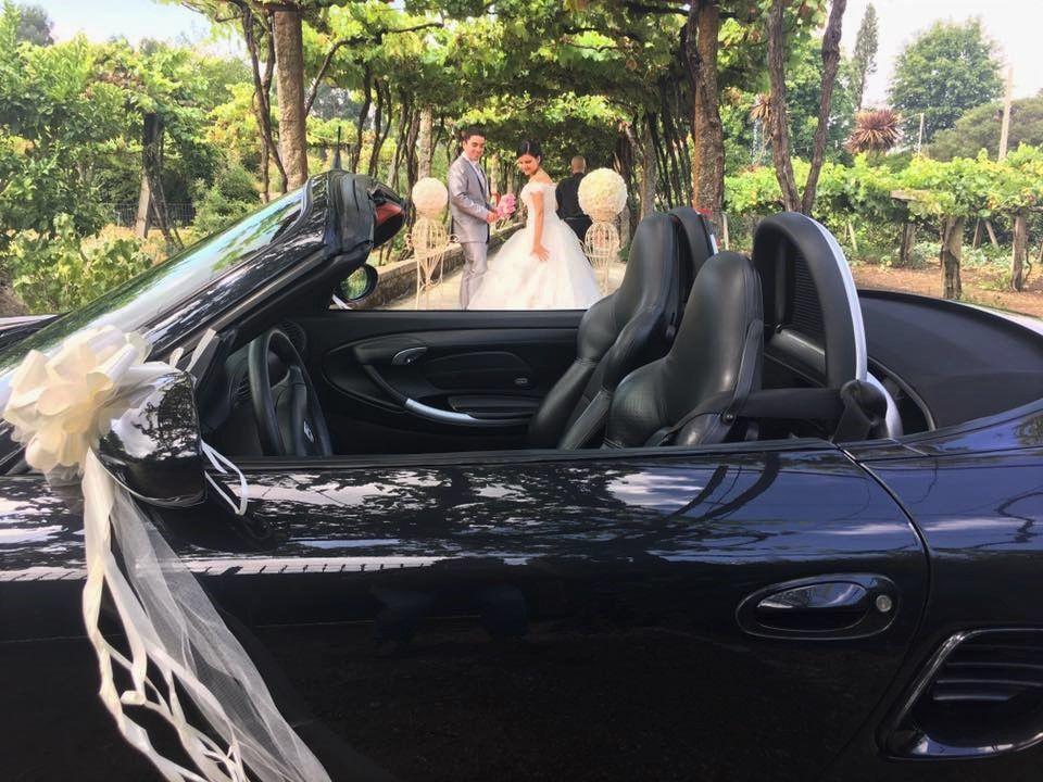 Chega dos noivos