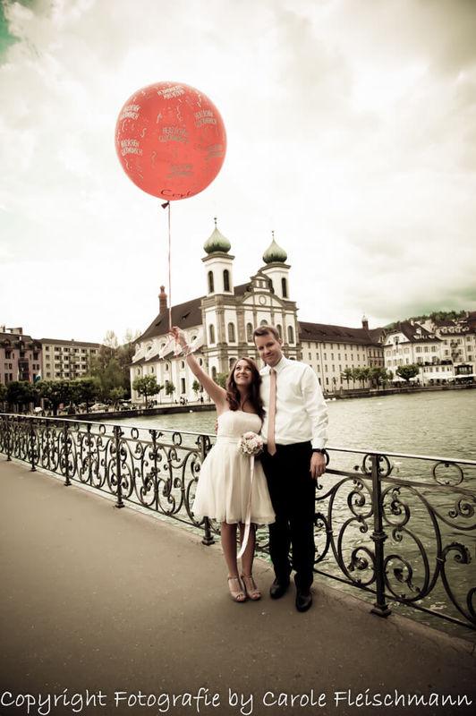 Beispiel:Hochzeit in Luzern,Achtung,gut festhaltenFoto:Carole Fleischmann Fotografie