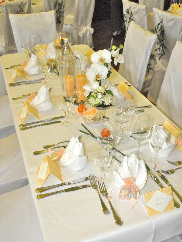 Beispiel: Tischdekoration, Foto: Schloss Garvensburg