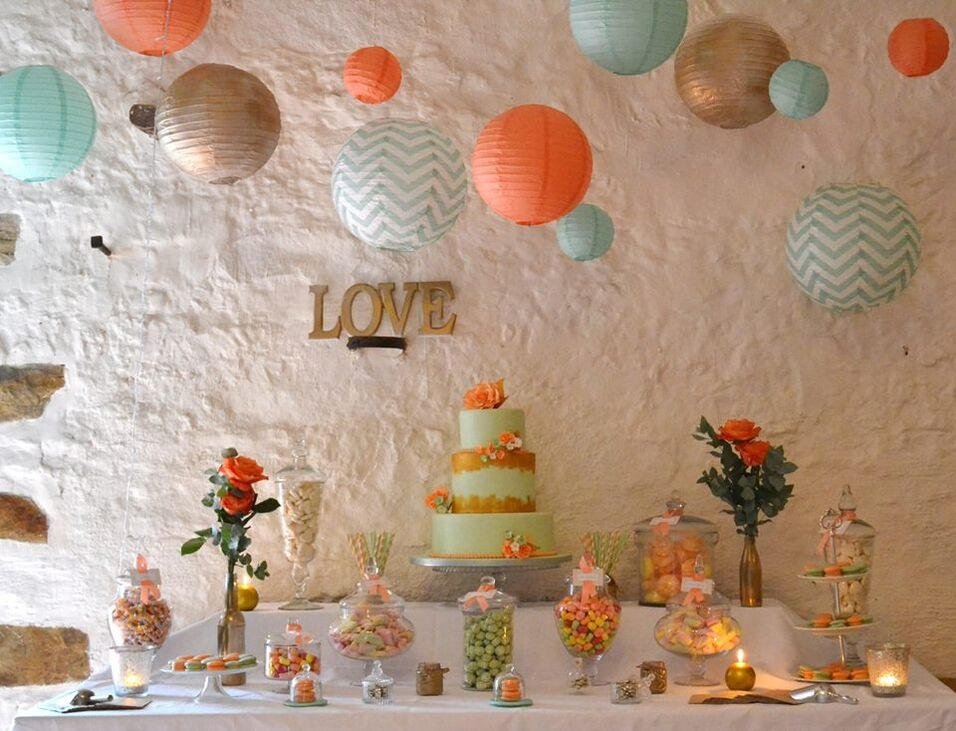 mariage menthe et corail wedding cake