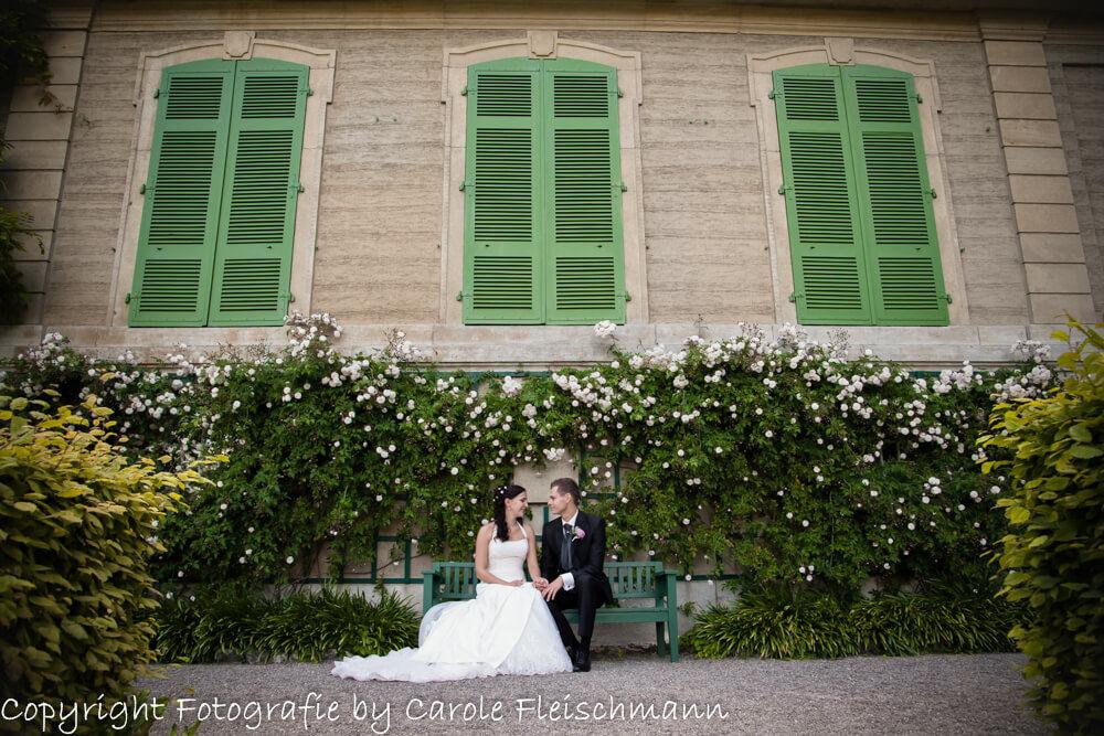 Beispiel:Romantisches Foto von einem verliebten Brautpaar,Foto:Carole Fleischmann Fotografie
