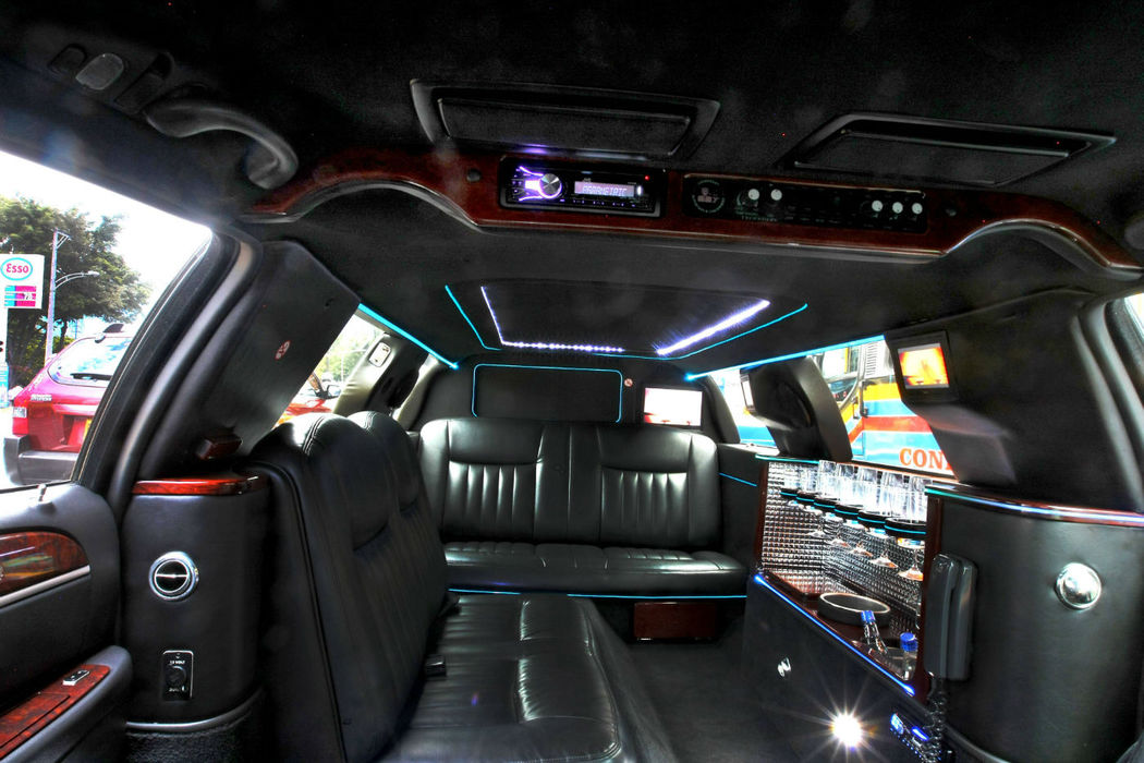 Espectacular  y  Sobrio  interior  con  todos los  lujos de la  marca  Lincoln