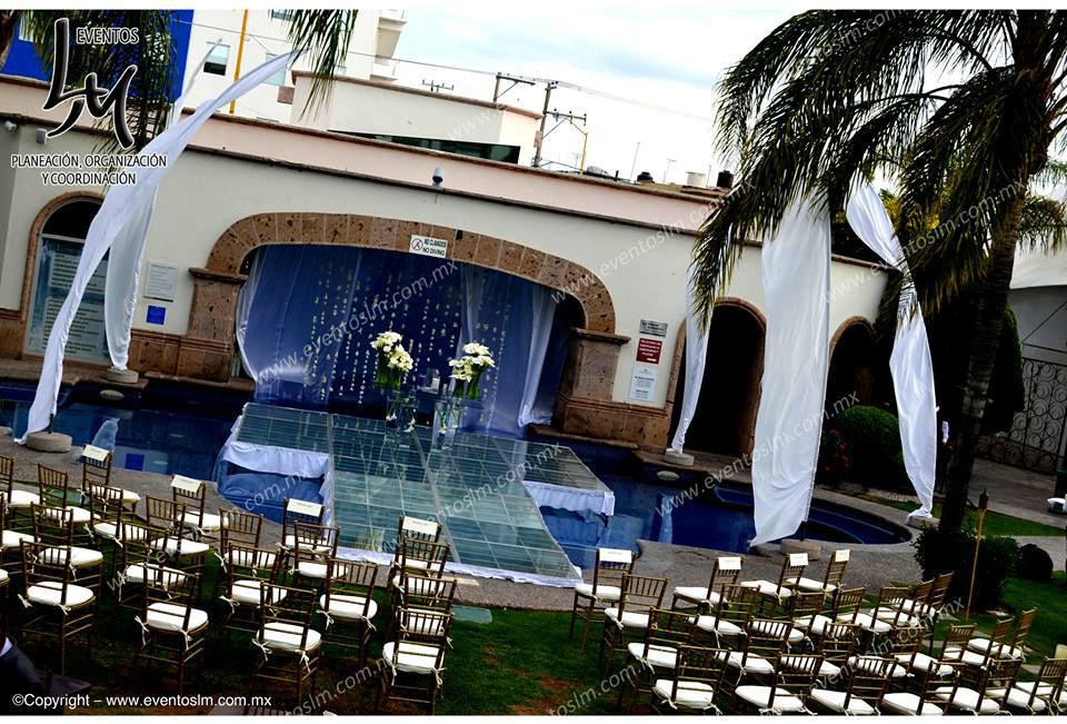Mario Delgadillo, Professional Wedding Planner, Ceremonia Civil sobre alberca