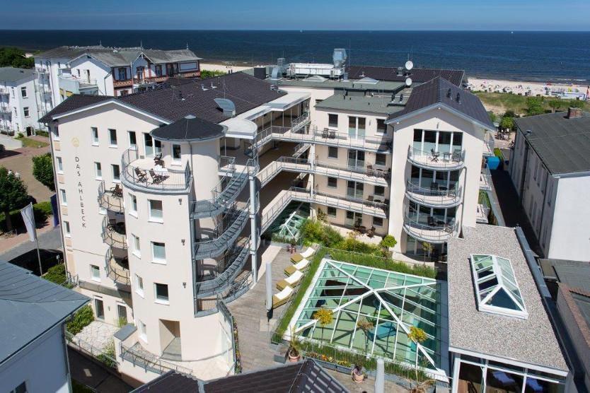 Beispiel: Hotel aus der Luft, Foto: Das Ahlbeck.