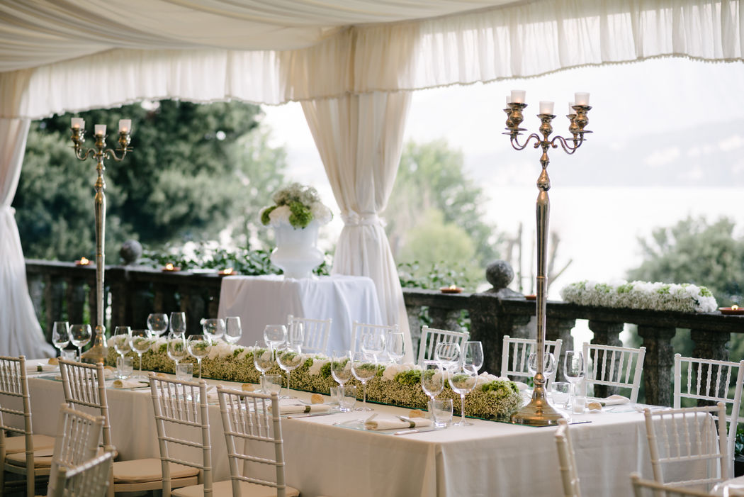 The White Rose Wedding on the lake