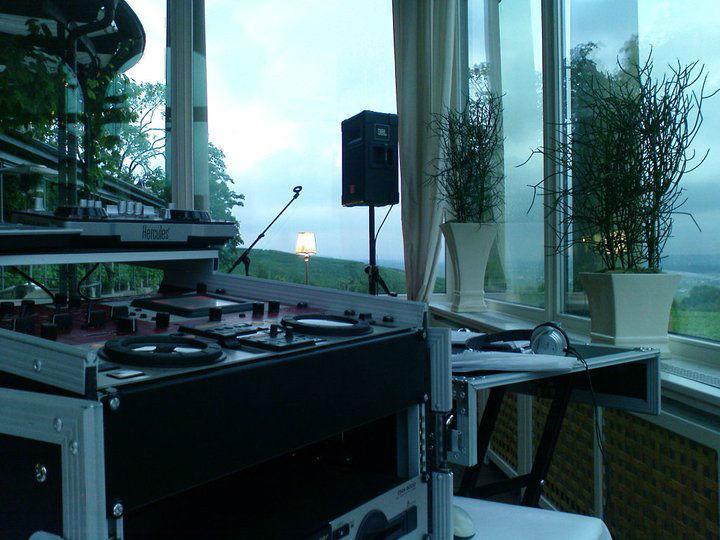 Beispiel: Ton- und Lichttechnik, Foto: DJ Flatrate.