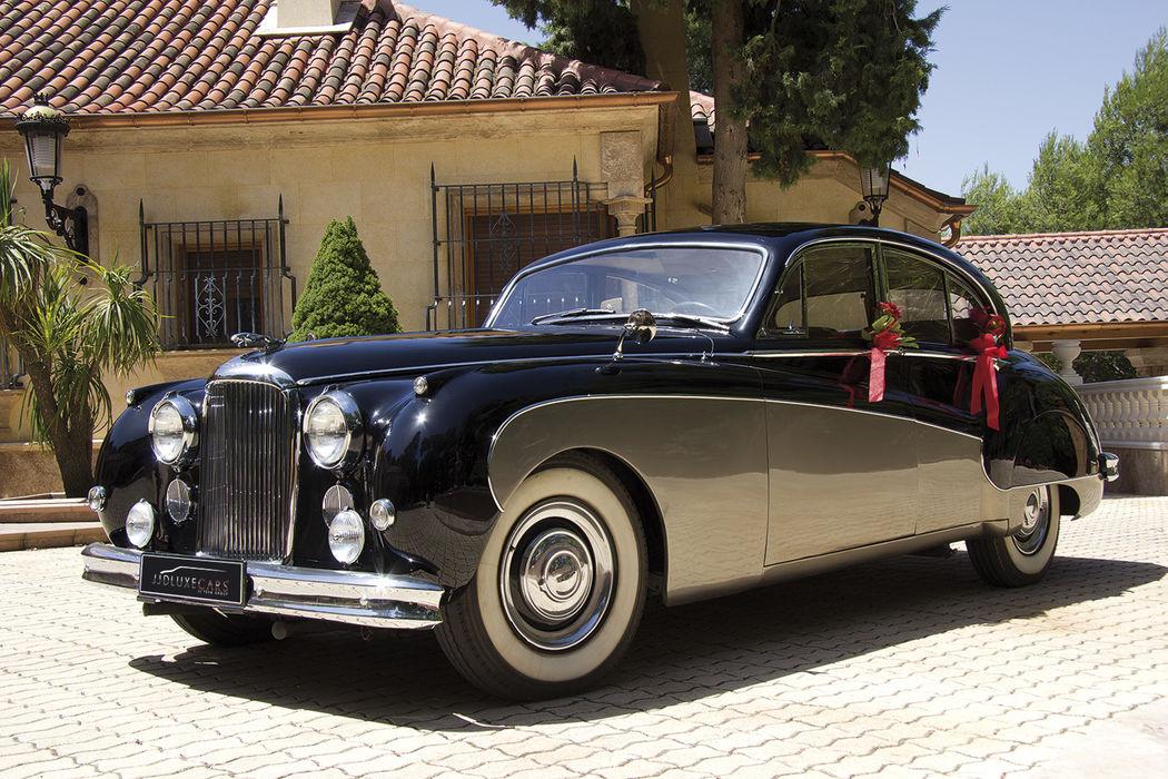 EX015 1960 Jaguar MK IX negro/plata