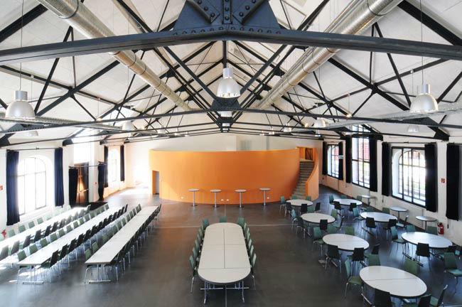 Beispiel: Bürgersaal mit Bestuhlungsbeispiel, Foto: Reithalle Rastatt.