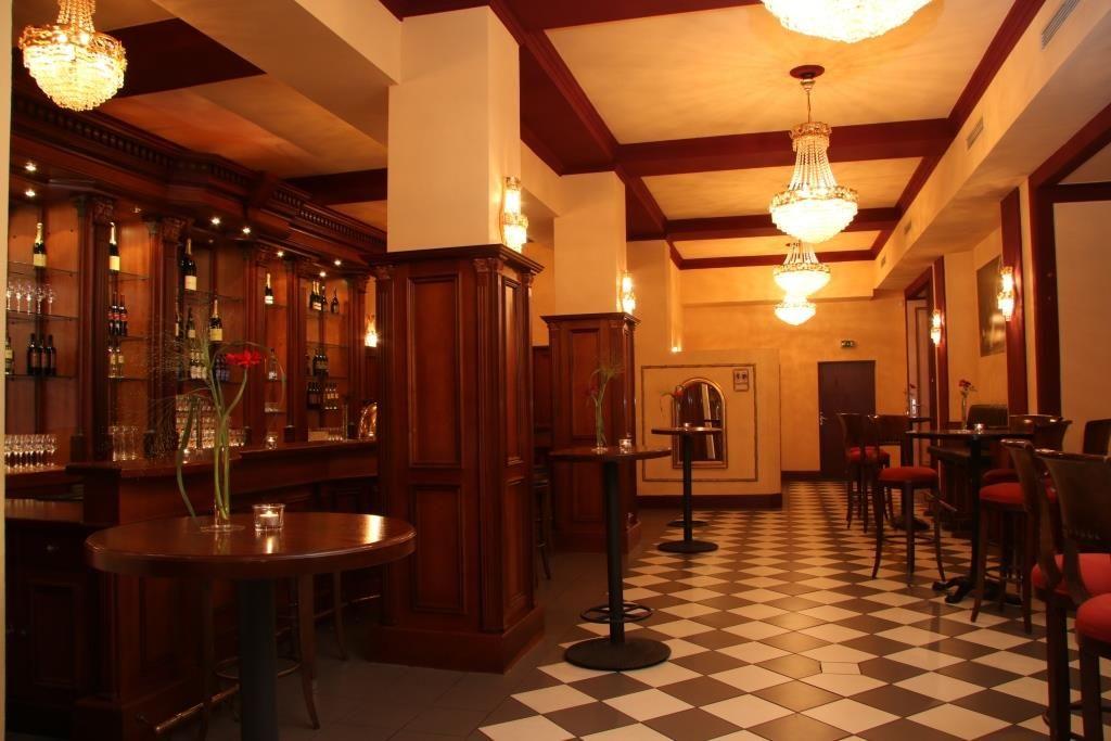 Champagner Bar vor dem Großen Saal