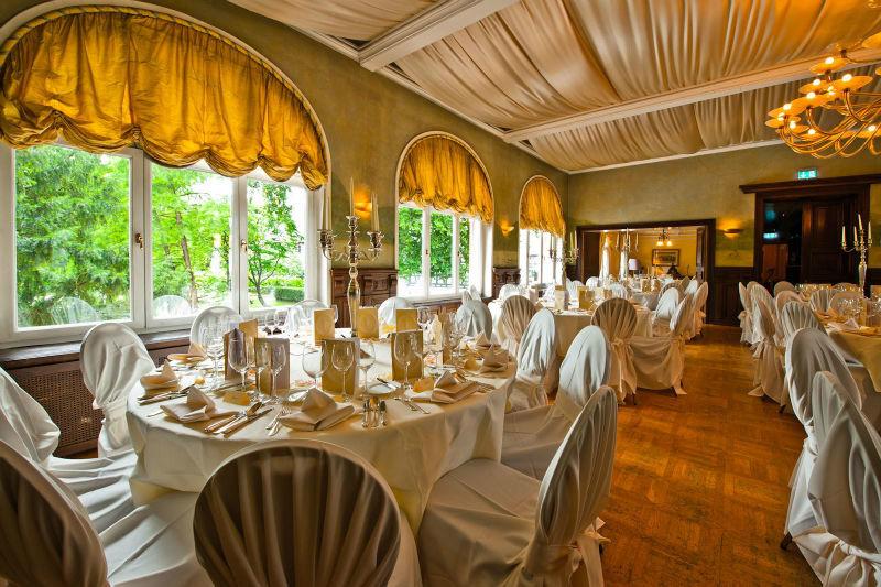 Beispiel: Hochzeitfeier im Schloss, Foto: Hotel Kronenschlösschen.