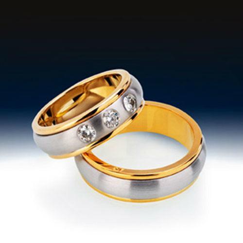 Beispiel: Finden Sie Ihre persönlichen Ringe, Foto: BrautRing.