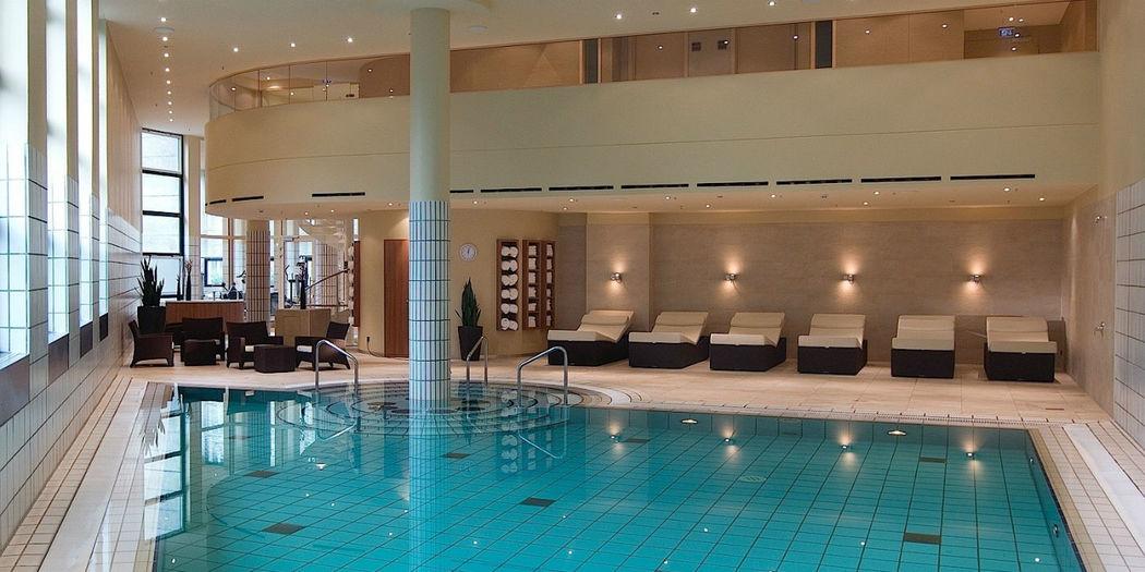 Beispiel: Schwimmbad, Foto: Grand Hotel Esplanade Berlin.
