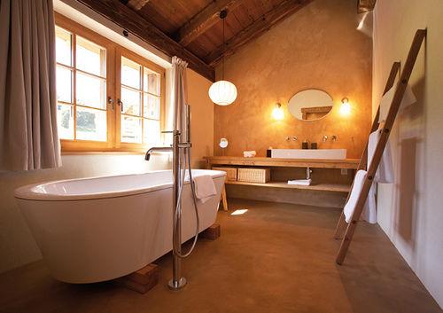 Beispiel: Badezimmer, Foto: Maiensässhotel Guarda Val.