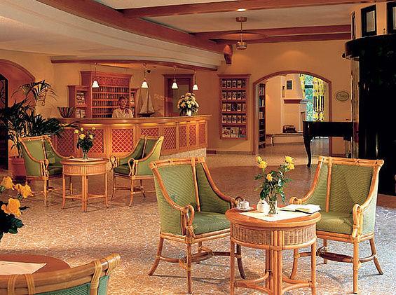 Beispiel: Die Lobby-Bar, Foto: Travel Charme Nordperd & Villen Göhren.
