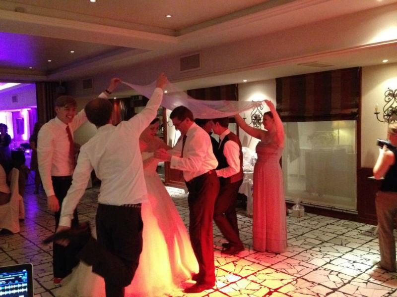 Beispiel: Stimmung für Ihre Hochzeitsfeier, Foto: Mobile Hochzeits-DJs.
