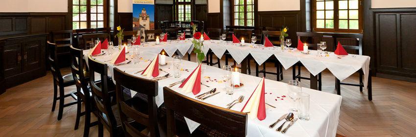Beispiel: Hochzeitstafel, Foto: Naturhotel Schloss Kassegg.