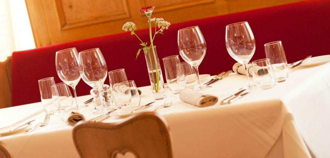 Beispiel: Festlich gedeckter Tisch, Foto: Hotel Edelweiss.