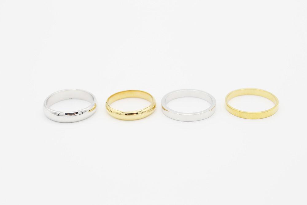 Opciones para ellos.  Anillo media caña en oro amarillo de  5mm. Anillo media caña en oro amarillo de  4mm. Anillo plano en oro blanco de 3mm. Anillo plano en oro amarillo de 2.5mm.