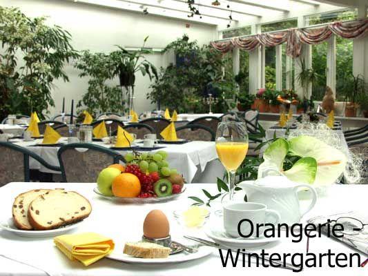 Beispiel: Wintergarten mit Frühstück, Foto: AKZENT Aggertalhotel Zur alten Linde.