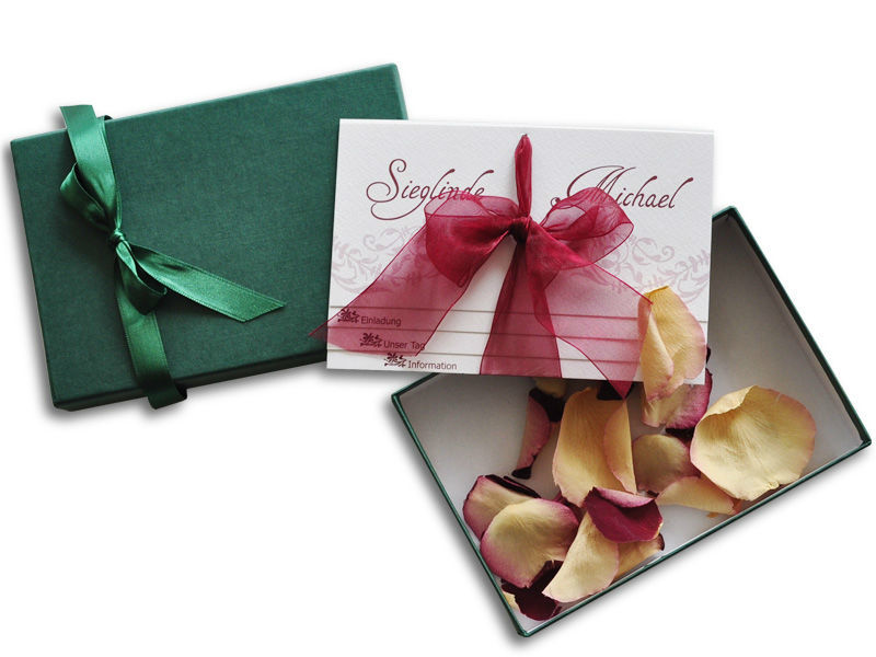 Beispiel: Hochzeitseinladungen, Foto: Echt kreativ.