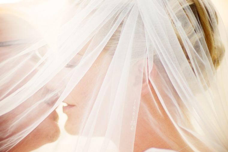 Beispiel: Wunderschöne Aufnahmen von Ihrer Hochzeit, Foto: Schmidt Photography.
