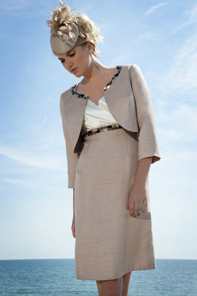 Beispiel: Elegante Kleider, Foto: Gina's Sposa.