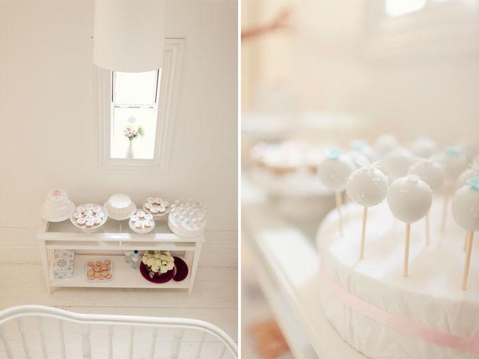 Mesa de doces para a 1ª Funshop do BrancoPrata.