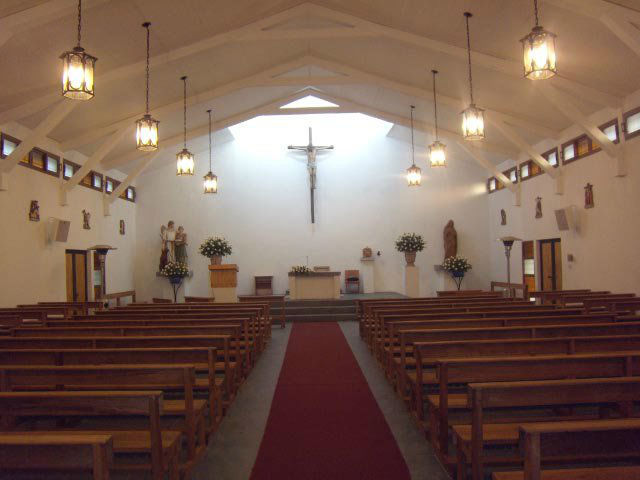 Dentro de la capilla