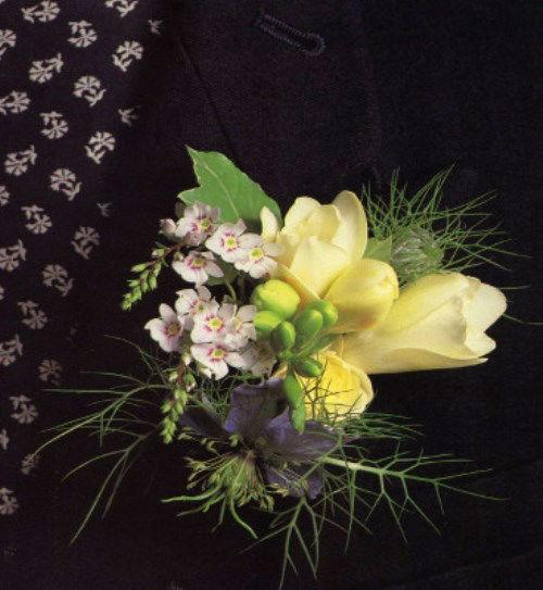 Beispiel: Blumen für den Bräutigam, Foto: Florales Ambiente.