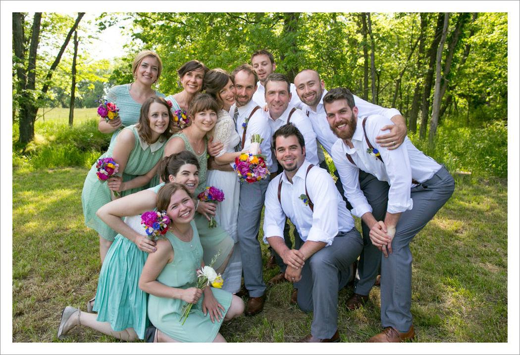 Beispiel: Fotos von der Hochzeitsgesellschaft, Foto: Michaela Nichole Photography.