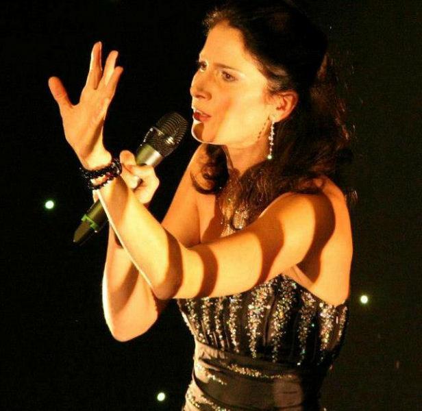 Beatrix Reiterer bei einem Auftritt