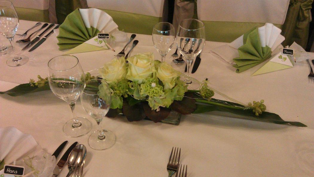 Beispiel: Tischdekoration, Foto: Blumenwerkstatt in der Zehntscheuer.