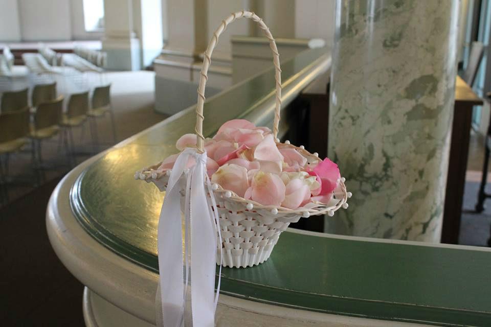 Beispiel: Blumenkorb in Rosa, Foto: Florale Welten.