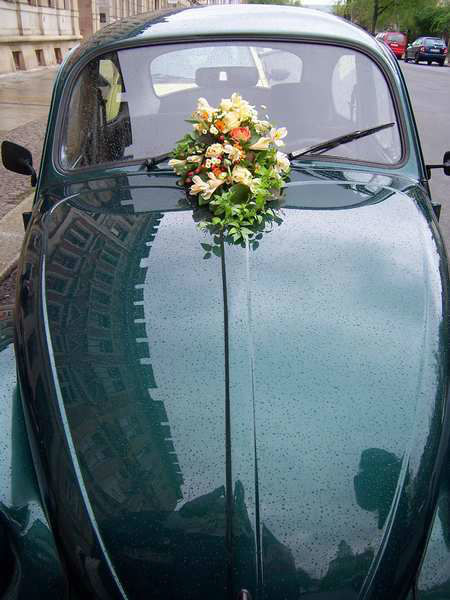 Beispiel: Autoschmuck, Foto: INSBESONDERE Floristik.