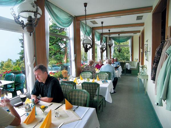 Beispiel: Wintergarten, Foto: Berghotel Augustusberg.