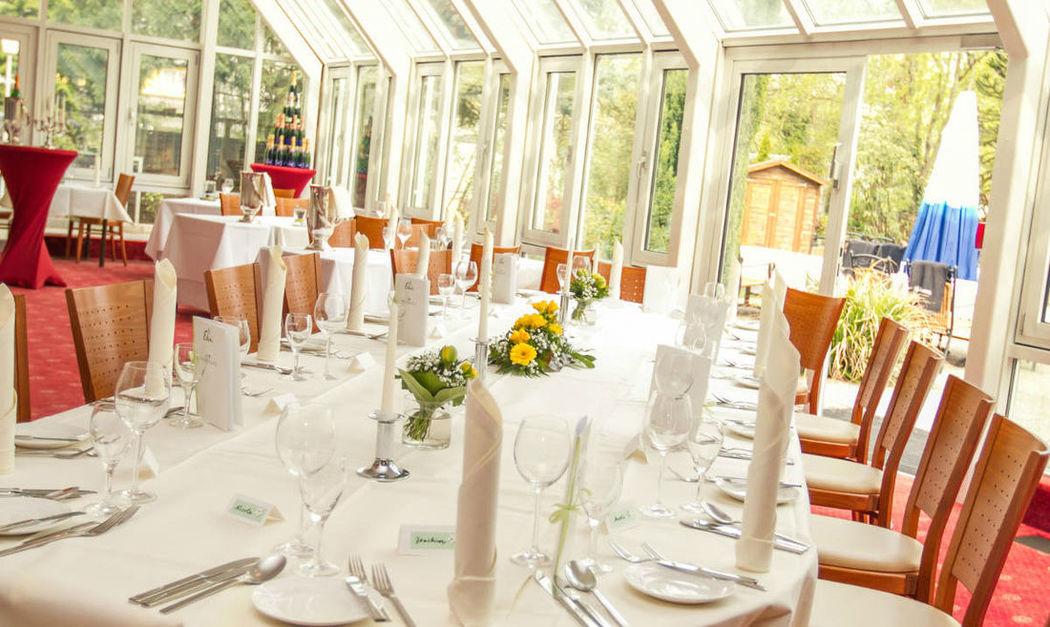 Beispiel: Wintergarten - Tafel, Foto: Hotel Eden - Restaurant garbo.