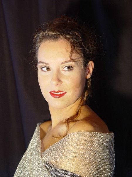 Beispiel: Make-up für die Braut, Foto: Beauty- & Wellness-Lounge In-Vita-Point.
