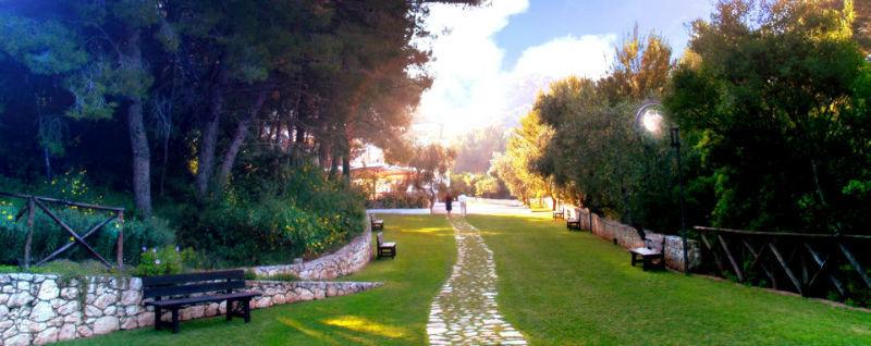 Baia dei Faraglioni Beach Resort