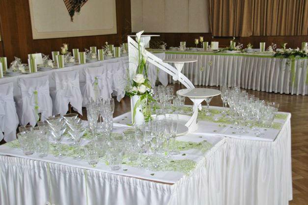 Beispiel: Tischdekoration - Bankett, Foto: Blumen Christl.