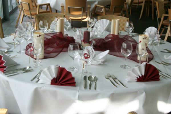 Beispiel: Tischdekoration, Foto: Rheingoldhalle Mannheim.