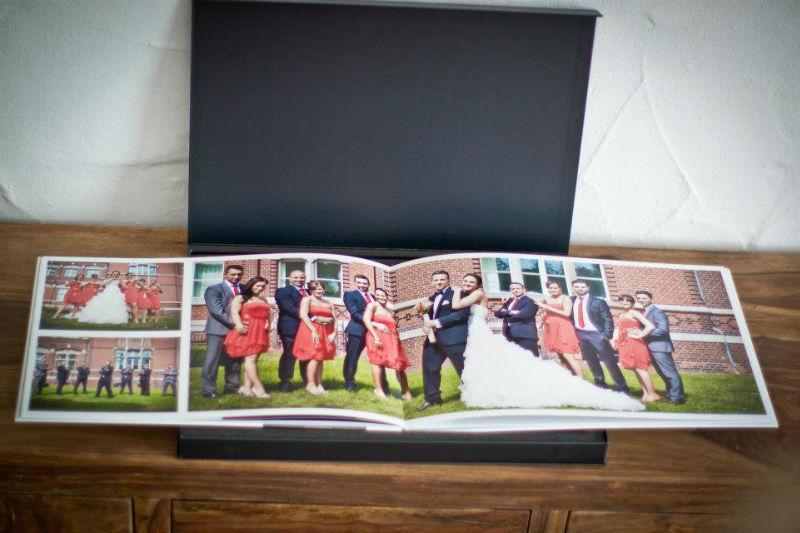 Beispiel: Hochzeitsbücher, Foto: Ralf Dombrowski Wedding Photographer.